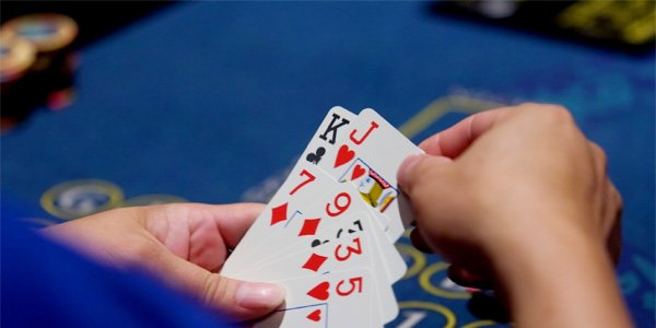 even traditional casinos began to indulge in online operations for retaining their customers.